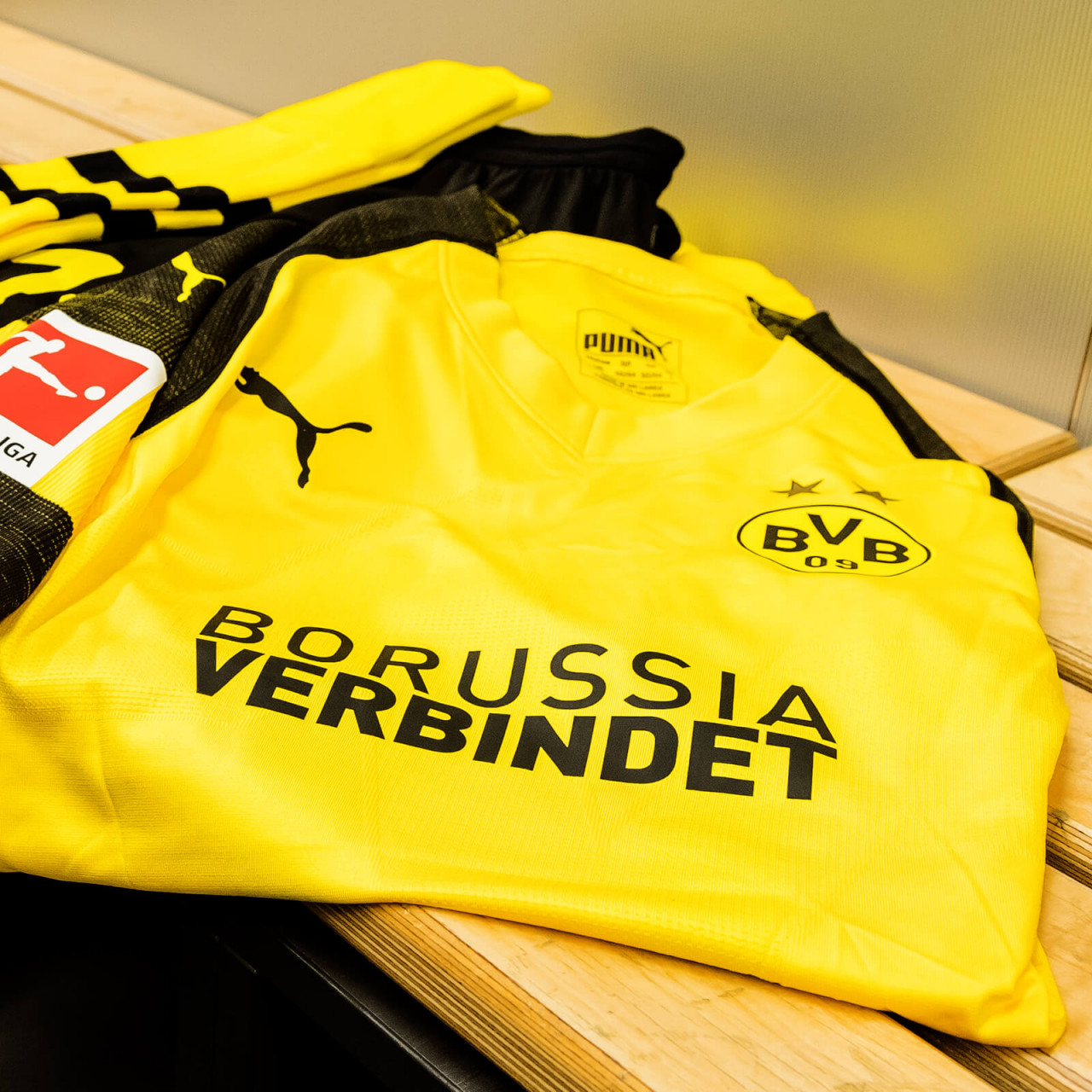 "Vorber. Trikot Hakimi, ""Borussia verbindet´´"